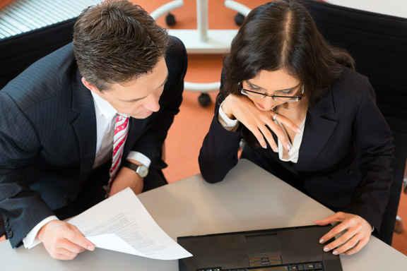 l'accomplissement des formalités auprès du CFE