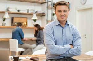 Un associé peut-il faire du bénévolat travailler gratuitement dans l'entreprise ?