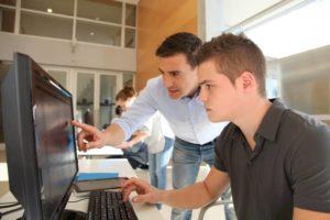 Créer son entreprise : constituer et déposer le dossier administratif au CFE
