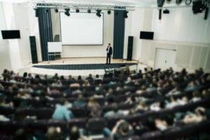 l'organisation de séminaires professionnels